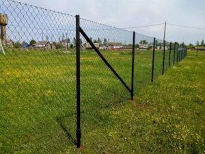 Забор из сетки рабицы для участка